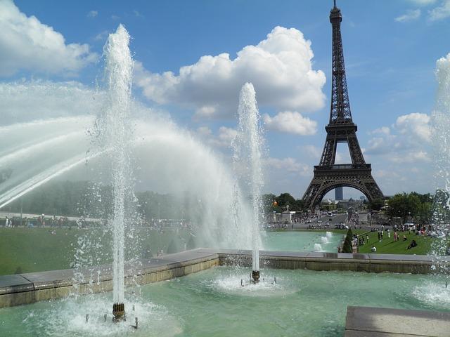 Paris, Eiffel Tower, Fountain