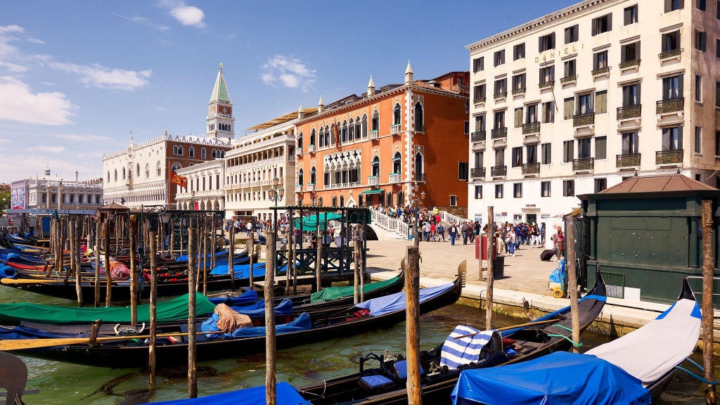 Hotel Danieli - Magnificent Atmosphere & Location - The Travel Agent
